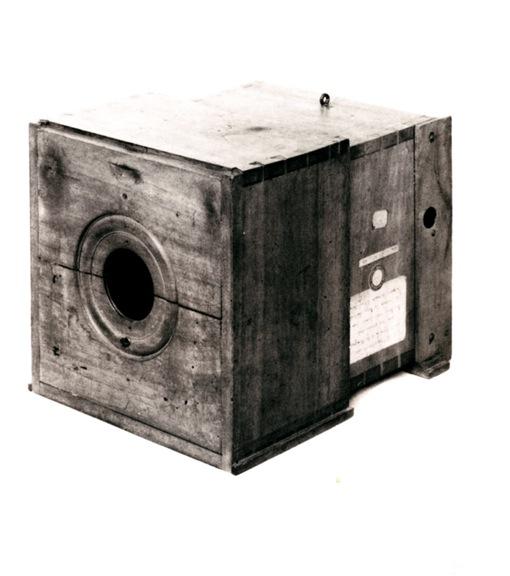 Chambre Noire Photographie : Dis nicéphore tu nous racontes la première photo oai