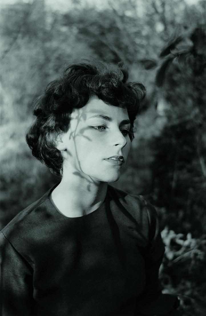 01_Emmet Gowin_Edith, Danville (Virginie), 1963©Emmet Gowin, courtesy Pace MacGill Gallery, New York