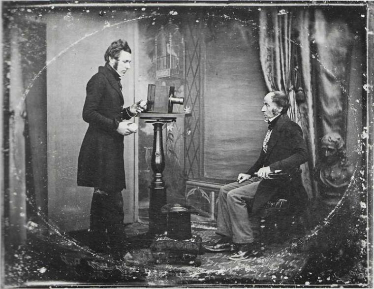 01-jabez-hogg-making-a-portrait-in-richard-beard_s-studio-unknown-photographer-1843