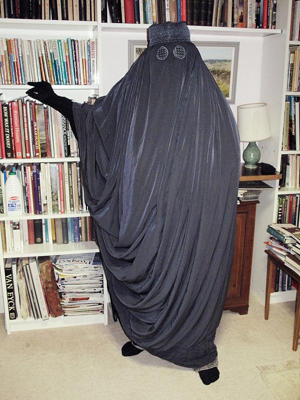 2041-burqa-07