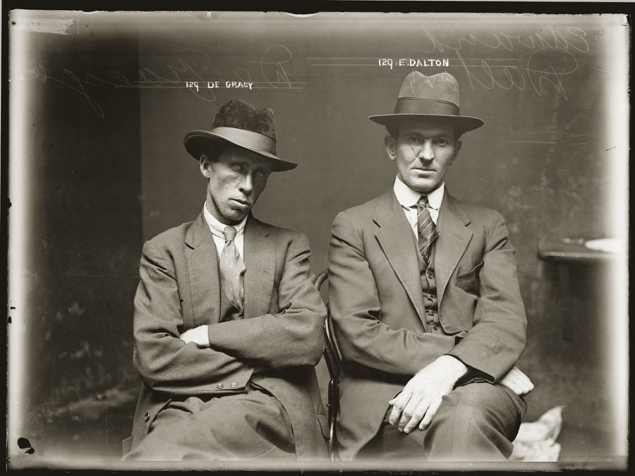 photo-police-sydney-australie-mugshot-1920-01-900x675