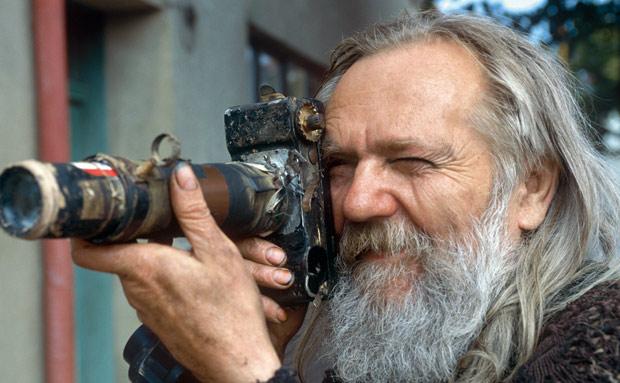 Miroslav Tichý en action