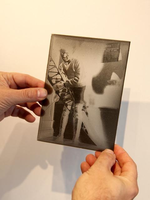 Parmi les 120 photos, 50 plaques de verre