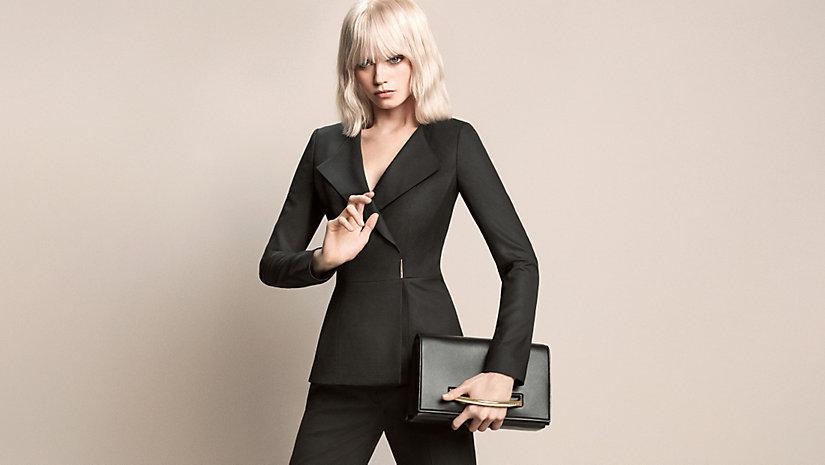 "Campagne Womenswear Hugo Boss avec un ""vrai"" mannequin."