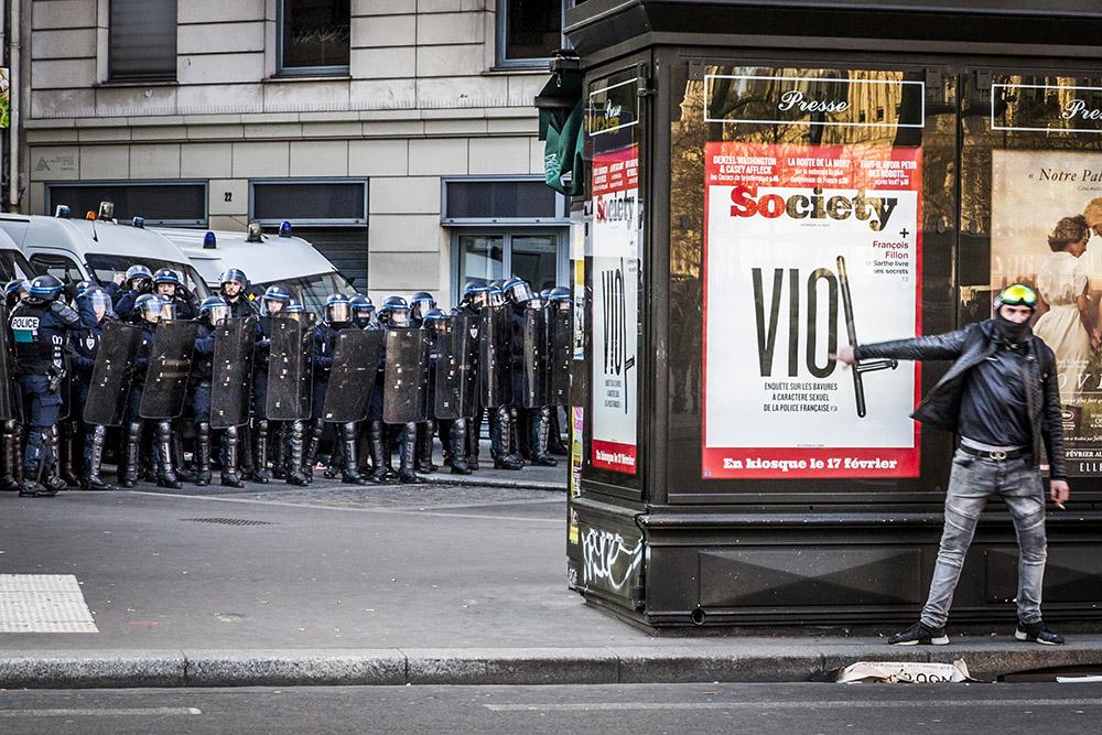 Paris, Place de la Republique, 18 fevrier 2017. Rassemblement contre les violences policieres, en soutien a Theo, victime d un viol presume pendant une interpellation a Aulnay-sous-Bois.
