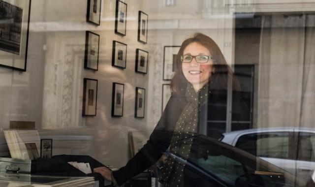 Emmanuelle Fructus, gérante de la galerie Un livre, une image